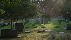 2008-07-21_Old_Chapel_Hill_Cemetery_2